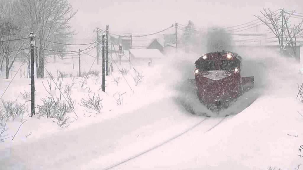 JR宗谷本線を走る除雪列車