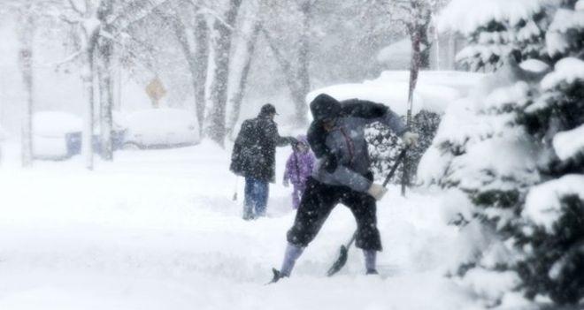雪かきの作業の様子