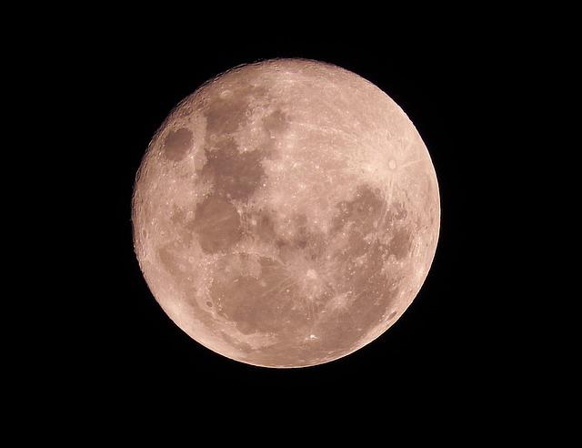 月への旅行